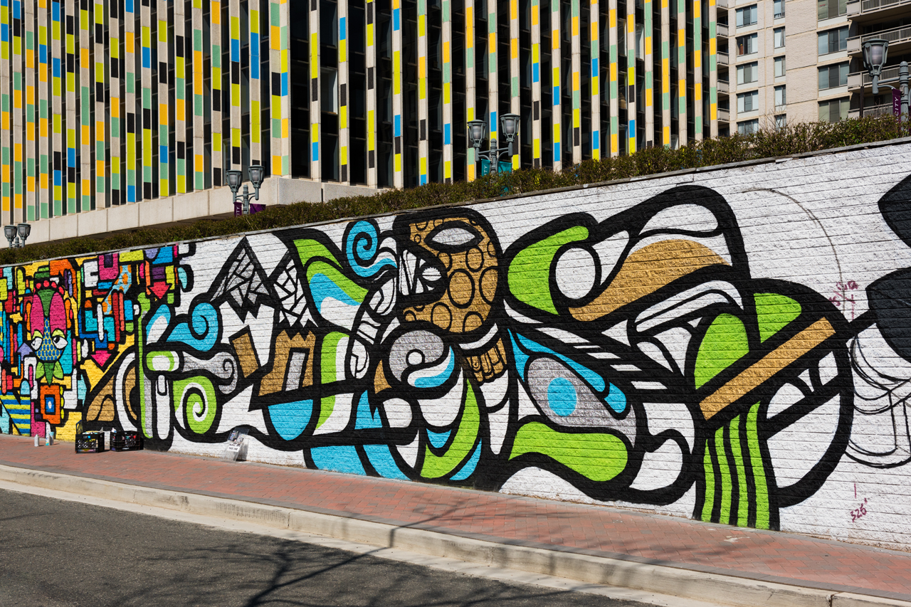 Mas Paz - the east end of the 23rd Street mural is almost complete