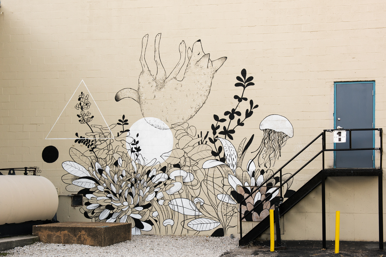 Headlining today's post ... mural by Mateu Velasco