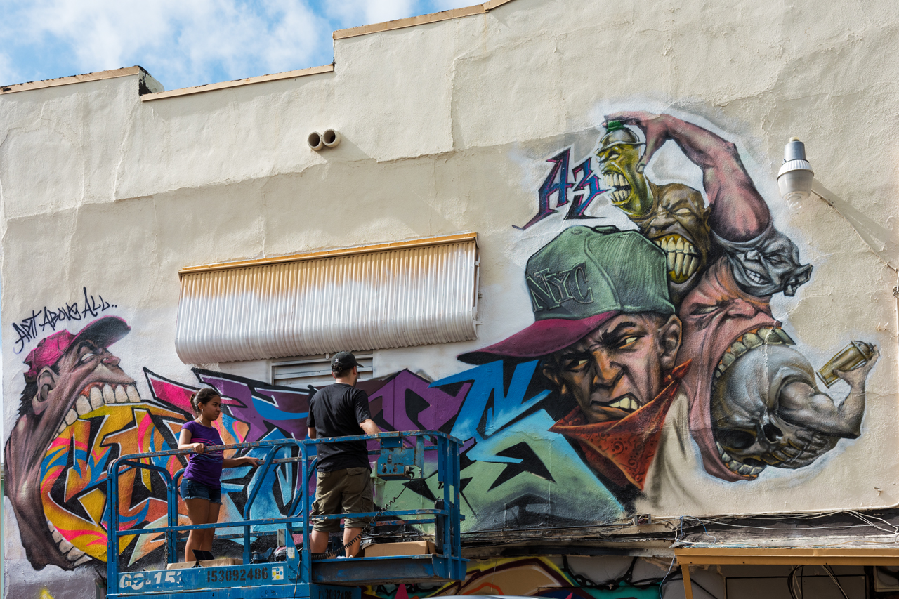 Carlos - in action for #bigwallsbigdreams at the project houses.