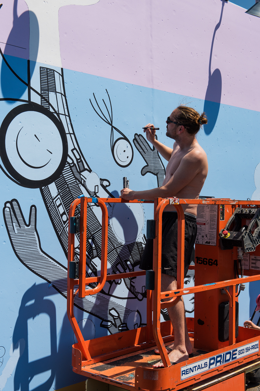 Chaz and the mechanical mermaid - London Police for Coney Art Walls 2016