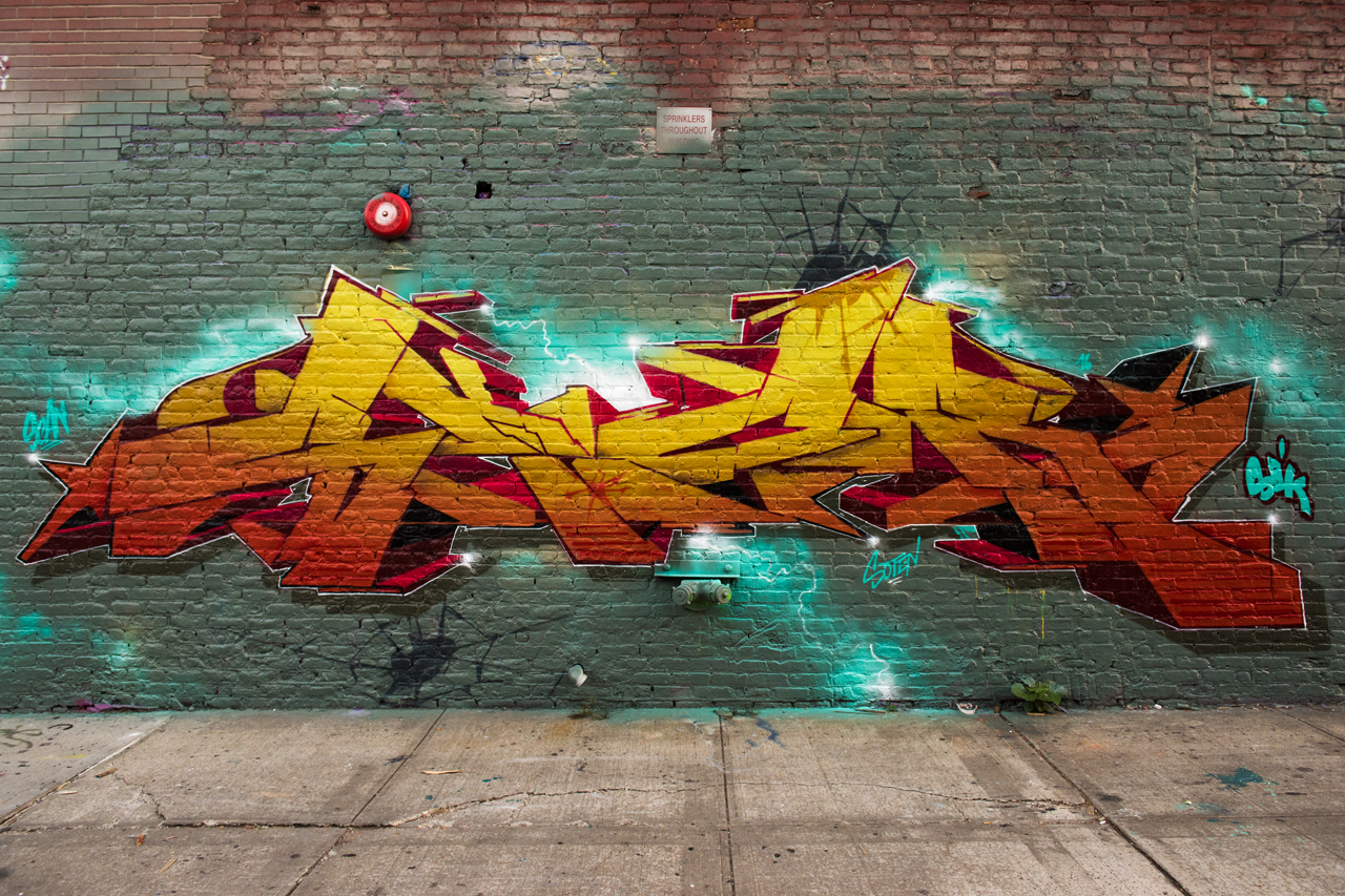 Skor - wall with Trace