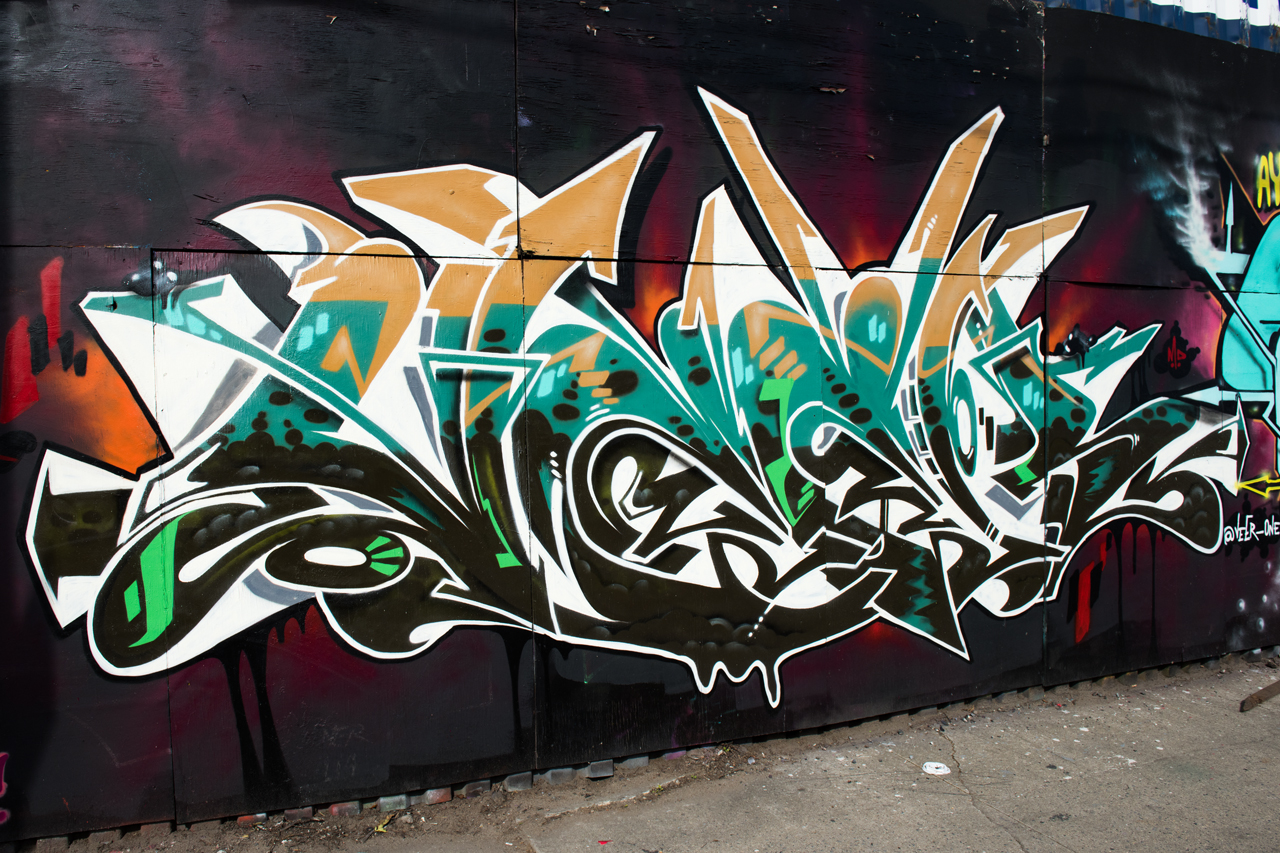 Veer - wall with 4sakn, Kryme, Meres, Shyne and Tiper